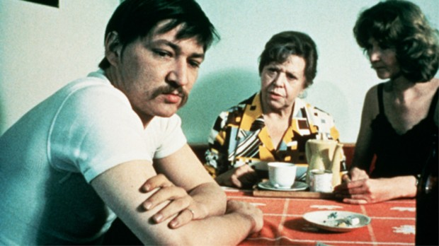 Title: ANGST ESSEN SEELE AUF / FEAR EATS THE SOUL • Pers: FASSBINDER, RAINER WERNER • Year: 1973 • Dir: FASSBINDER, RAINER WERNER • Ref: ANG029AI • Credit: [ TANGO FILM / THE KOBAL COLLECTION ]